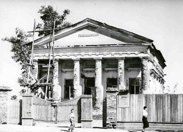 Возвращение храма верующим